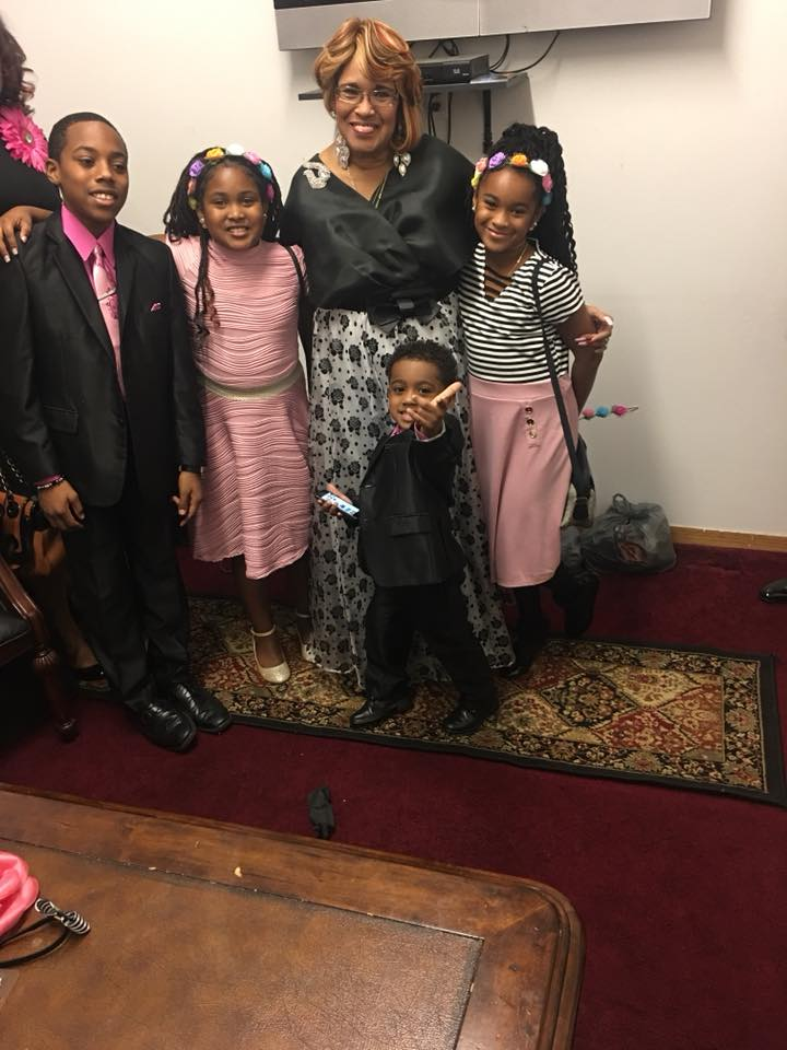 Bettye Nelson and grandkids